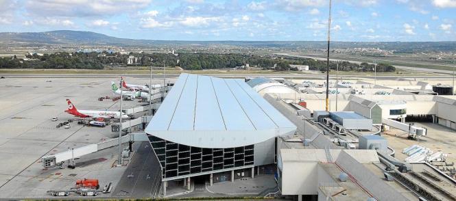 Der Flughafen von Palma de Mallorca wird in der anstehenden Sommersaison vermutlich so stark aus gelastet sein wie nie zuvor.