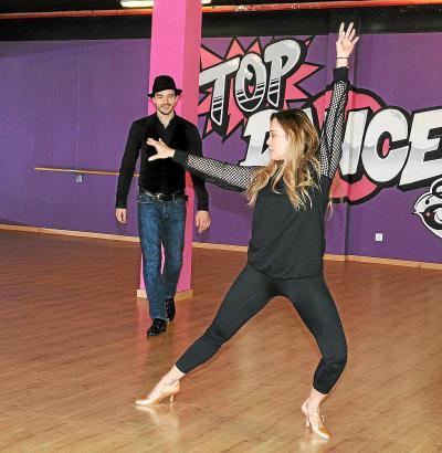 "Sonja Kirchberger und Ilia Russo im ""Top Dance Studio"" an der Playa de Palma auf Mallorca."