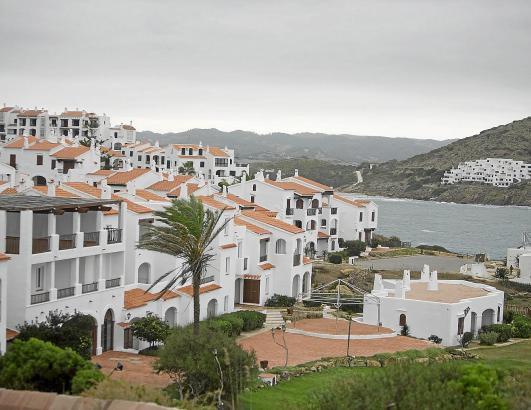 Das balearische Gesetz verbietet das touristische Online-Bewerben von Ferienwohnungen in Mehrfamilienhäusern.