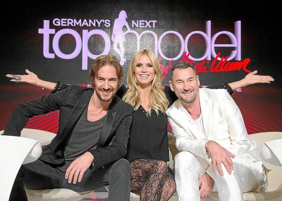 """Kommen sie bald nach Mallorca? Heidi Klum mit ihren """"GNTM""""-Juroren Thomas Hayo (l.) und Michael Michalsky."""