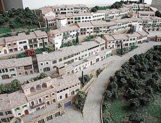 Ein erstes Modell der Siedlung Es Guix. Vergeblich versuchte das Rathaus später noch eine abgespeckte Version genehmigungsfähig