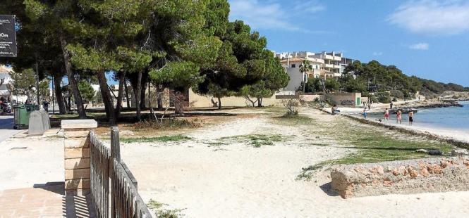 Gute Lage hat ihren Preis: Zwei Millionen Euro muss die Gemeinde Ses Salines im Süden von Mallorca für den Kauf der Grünfläche b