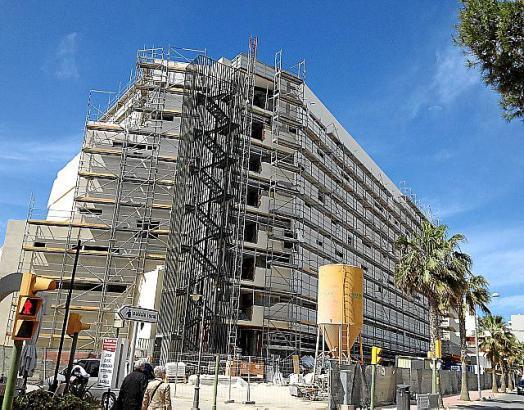 Das Iberostar Playa de Palma ist eines der Hotels, in denen derzeit unter Hochdruck gearbeitet wird.