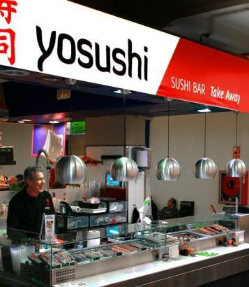 """Der """"Yosushi""""-Stand befindet sich direkt in der Fischhalle des Olivar-Marktes in Palma."""