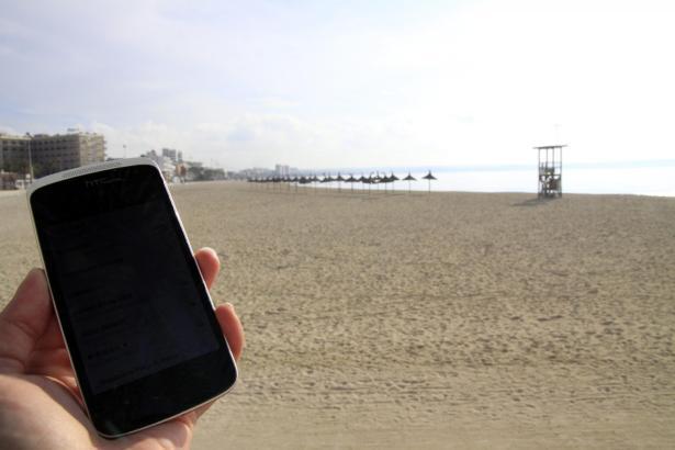 Seit über einem Jahr haben Badegäste und Flaneure an der Playa de Palma kostenlosen WLAN-Zugang