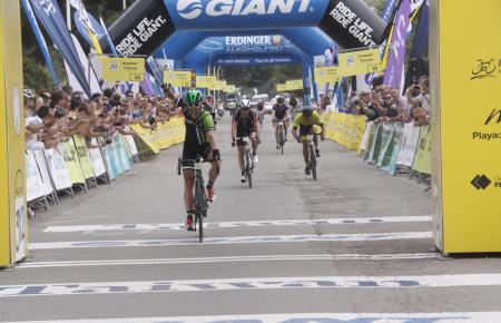 """Auch dieses Jahr befindet sich die Zieleinfahrt des Radmarathons """"312 Mallorca"""" an der Playa de Muro."""