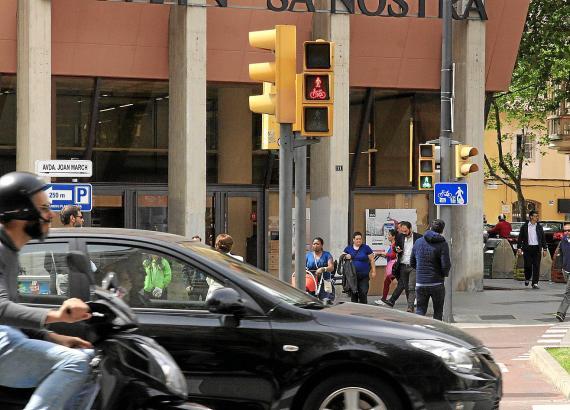 Die neue Ampelschaltung für Fußgänger soll ein wenig Licht in den Verkehrsdschungel auf Palmas Avenidas bringen.