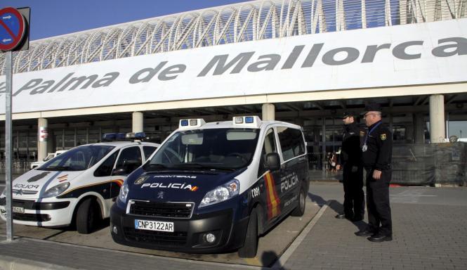"""Erst vor wenigen Jahren wurde am Flughafen von Palma der weithin sichtbare Schriftzug """"Palma de Mallorca"""" am Gebäude angebracht."""