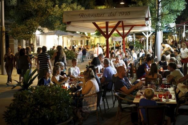 In Santa Catalina gibt es 128 Gastro-Terrassen, besonders viele in der Calle Fábrica.