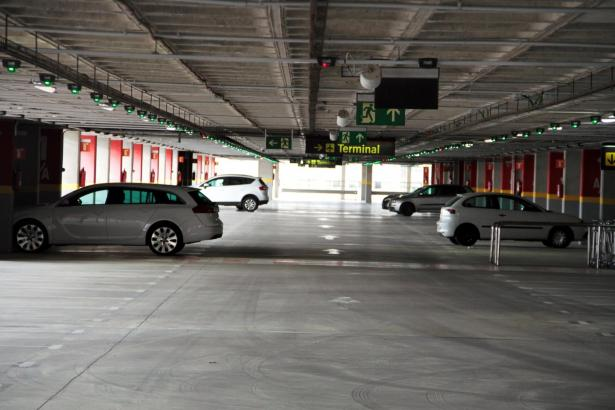 Das Parkhaus am Flughafen Son Sant Joan.