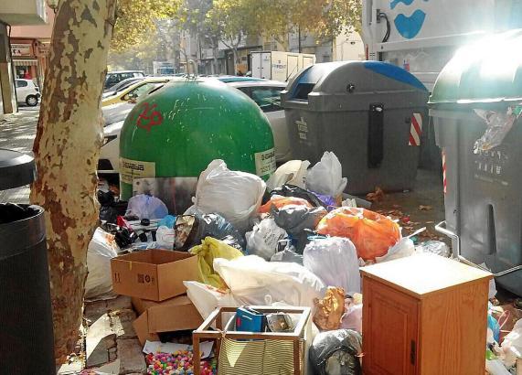 Solche Bilder sollen bald der Vergangenheit angehören, die Stadt will die korrekte Müllentsorgung in Palma forcieren