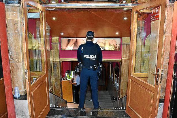 Nach Jahren des Laisser-faire überprüfen die Beamte der Lokalpolizei die Bordelle an der Playa de Palma nun strenger.
