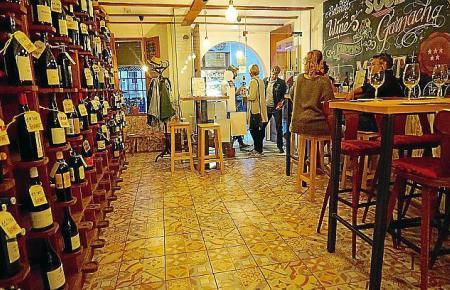 """Tapas und mallorquinische Weine sind die Spezialitäten des """"Lodivino""""."""