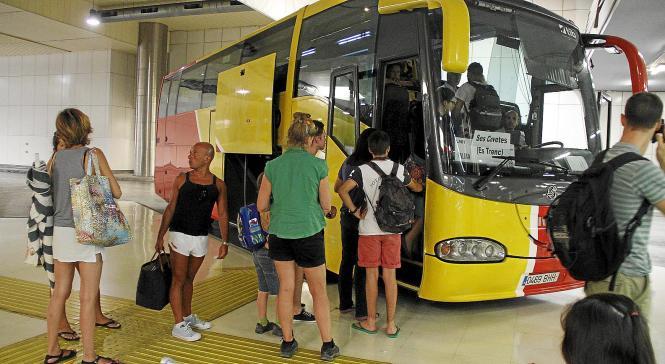 In Zukunft kann man den Bus nicht mehr mit freiem Oberkörper betreten.