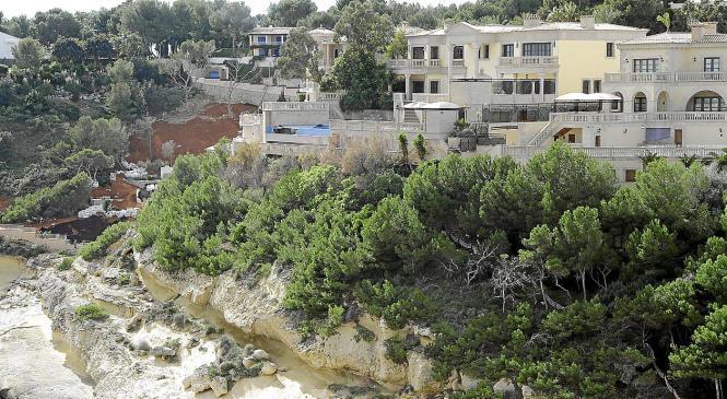 Die beschlagnahmte Villa in der Urbanisation Sol de Mallorca.