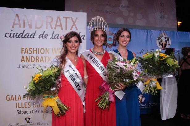 """Die neue """"Miss Turismo Illes Balears"""", Cristina Najas, zwischen Cati Cabot und Cristina Juan. Alle drei kommen von Mallorca."""