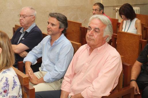 Juan Carlos Alía (im Vordergrund) und Raimundo Alabern (neben ihm) während der Gerichtsverhandlung.
