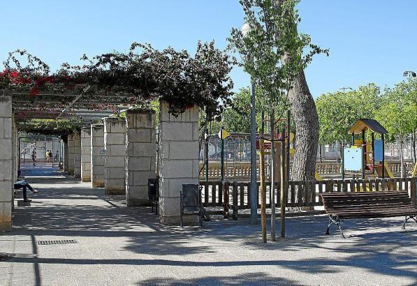 In einem Park in Palma de Mallorca war der Hund auf den Mann losgegangen.