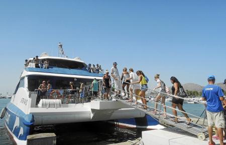 Alle Mann einsteigen! Für einen Bootsausflug auf Mallorca braucht es weder lange Vorbereitung noch muss man selbst ein Boot char