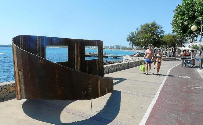 Insgesamt 15 Werke des spanischen Bildhauers Pedro Flores wurden auf der Promenade zwischen Cala Millor und Cala Bona installier