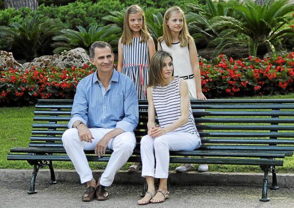 So hat sich die königliche Familie den Pressefotografen präsentiert.