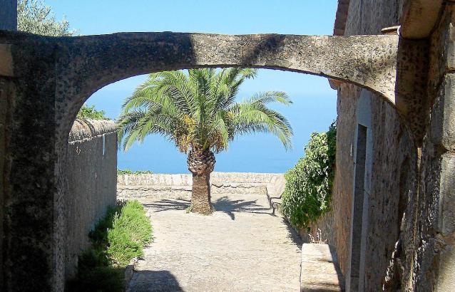 Eine atemberaubende Aussicht genießen die Einsiedler in Valldemossa.