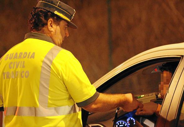 In der Ferienzeit macht die Polizei auf Mallorca verstärkt Jagd auf Verkehrssünder.