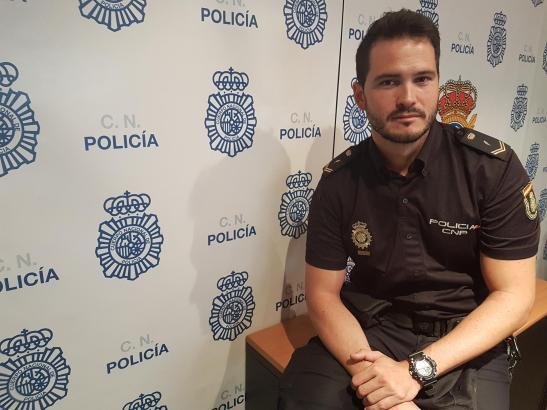 Nationalpolizist Gabriel Muñoz hat am Sonntag zwei Kinder auf Mallorca vor dem Ertrinken gerettet - und das, obwohl er nicht ein