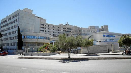 Soll zum Pflegezentrum für Senioren werden: Das leerstehende Klinikareal Son Dureta.