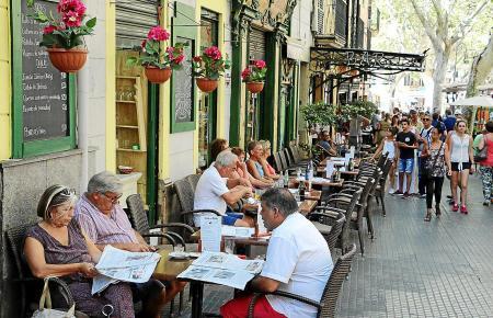 Ausdruck mediterranen Lebensgefühls oder Okkupation öffentlichen Raums?