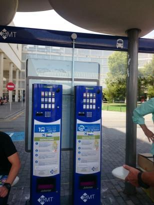 Der neue Fahrkartenautomat am Flughafen von Palma.