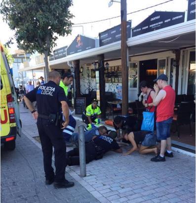 Die Polizeibeamten waren bereits vor Ort, als die Rettungssanitäter in Cala Bona im Osten von Mallorca eintrafen.