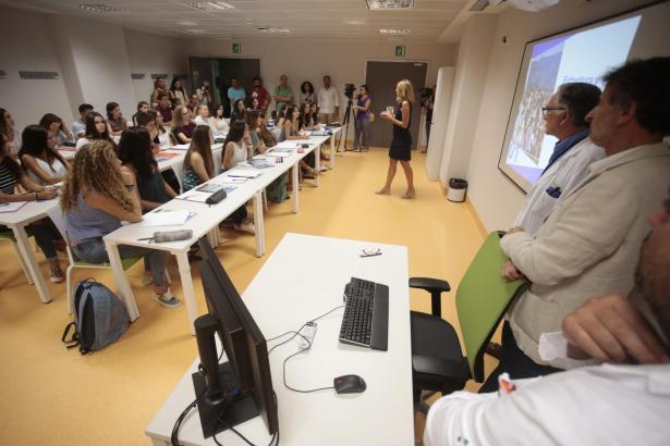 Die erste Vorlesung in der Medizin-Fakultät in Palma de Mallorca.
