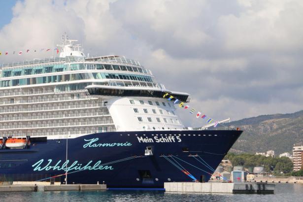 """Die """"Mein Schiff 5"""" am Freitag zum ersten Mal in Palma."""