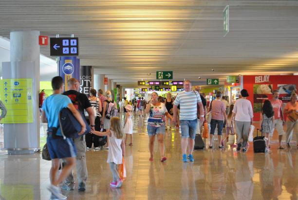 Im Terminal C des Flughafens Palma werden Anfang 2017 neue Läden eröffnen.