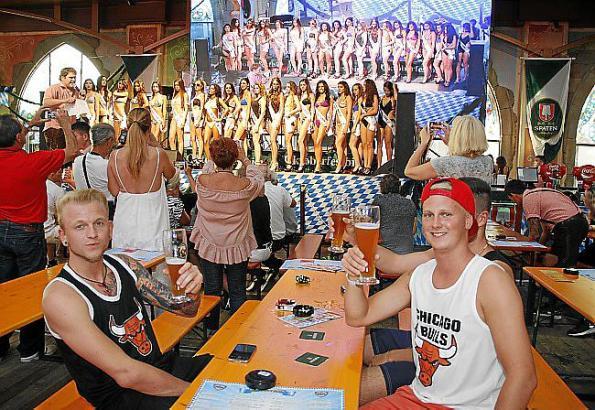 Bier und wunderschöne Frauen: die Zuschauer waren begeistert!