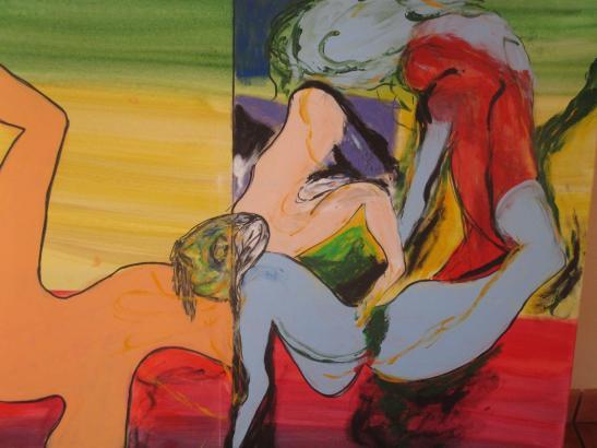 Die Aquarelle und Kohlezeichnungen auf Papier sowie Acryl- und Ölmalerei auf Leinwand sind teils figurativ, teils abstrakt.