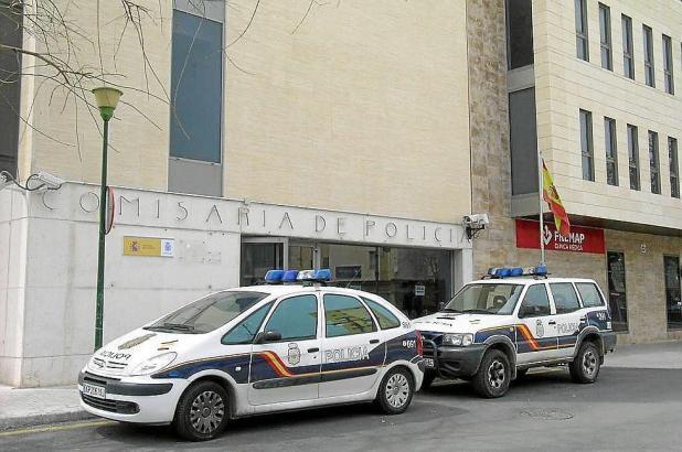 Die Nationalpolizei nahm einen der Verdächtigen fest, die in Manacor im Osten von Mallorca einen Deutschen brutal verprügelt hab
