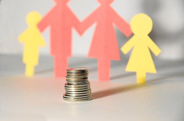 Die staatliche finanzielle Unterstützung von Familien ist in Spanien deutlich geringer als in Deutschland.