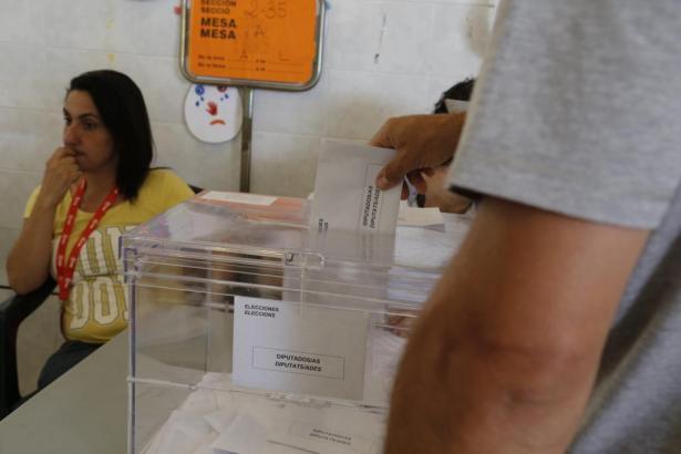 Wieder an die Wahlurne? Die Szene dieses Archivbilds von Mallorca wird sich durch die Entscheidung der PSOE nun Wohl nicht so ba