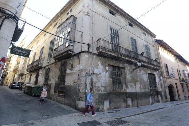 In diesem Altstadtgebäude im Carrer Concepció soll ein Vier-Sterne-Hotel entstehen.