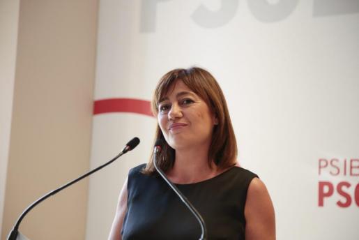 Francina Armengol ist verärgert darüber, dass ihre Partei Mariano Rajoy unterstützt.