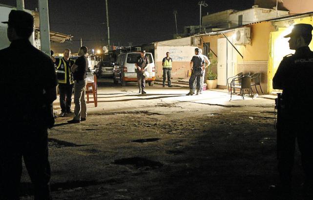 Polzeieinsatze sind in Son Banya selten geworden. Drogen werden dort weiterhin verkauft.