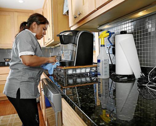 Auf Mallorca arbeiten oft Frauen aus Lateinamerika als Haushälterinnen und Putzhilfen