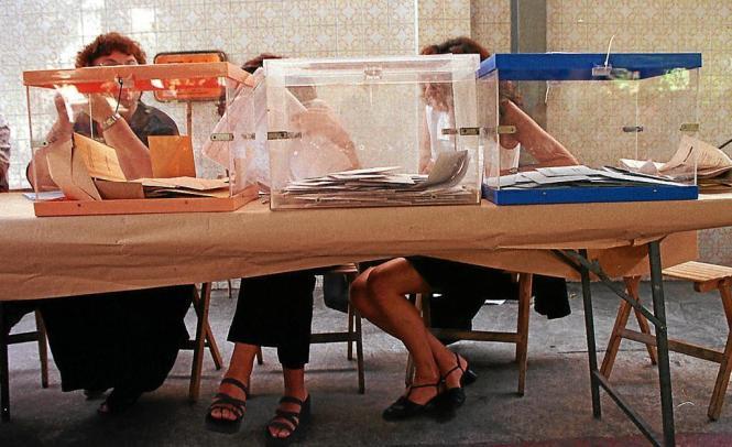 Ein Wahllokal auf Mallorca. Wenn es nach der Balearen-Regierung geht sollen die Bewohner bald häufiger an die Urnen gebeten werd