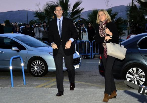 Iñaki Urdangarin und Gattin Cristina auf dem Weg zu einem Verhandlungstermin auf Mallorca.