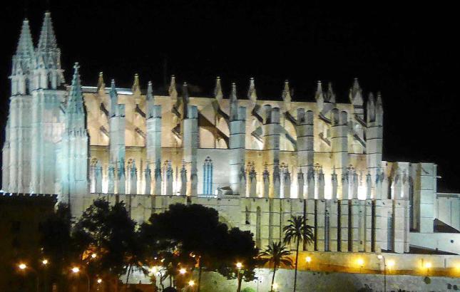 Die Kathedrale von Palma de Mallorca als ein Grund, um Spanien zu lieben.