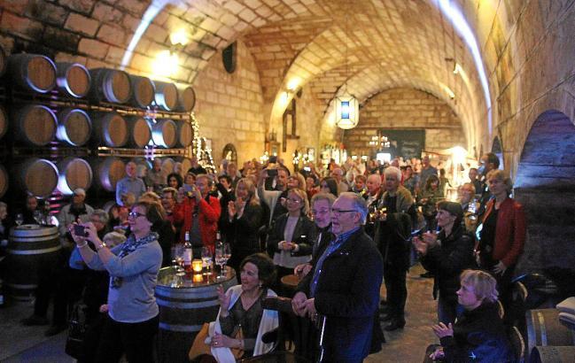 """""""Wein & Musik"""" in der Weinkellerei von Santa Catarina."""