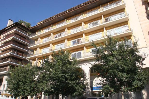 Das Hotel Saratoga unweit der Einkaufsstraße Jaime III ist bei Stammgästen beliebt.