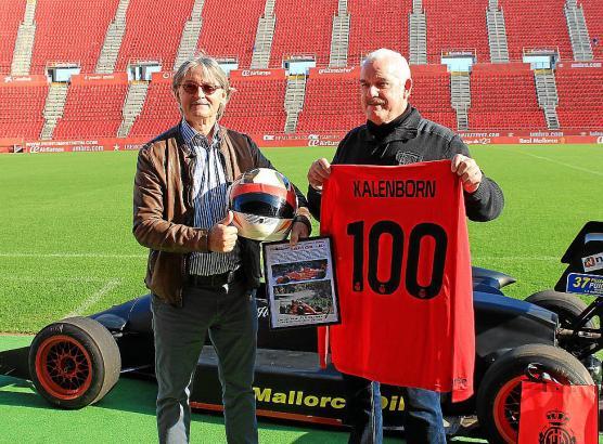 Treffen im Stadion: Real-Mallorca-Präsident Monti Galmés (l.) und Ex-Rennfahrer Helmut Kalenborn.